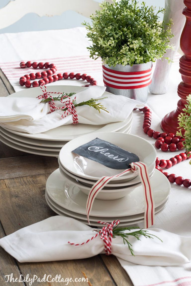 32 Christmas Table Decorations & Centerpieces - Ideas for ...